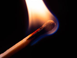 火は硫黄で燃える